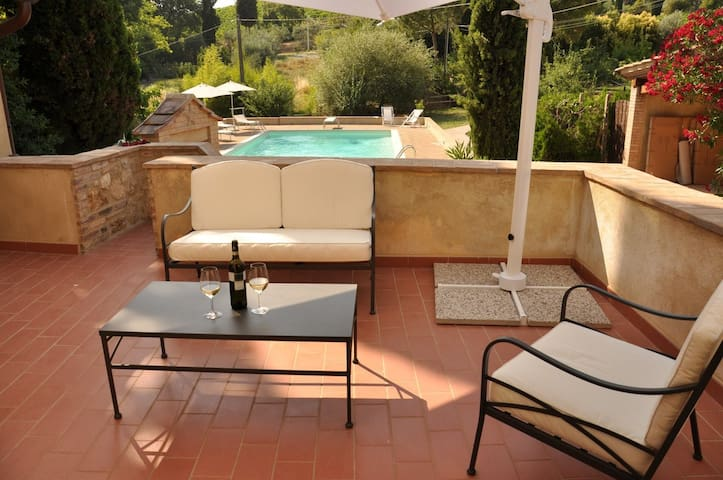 Villa Margherita with private pool, wiFi, A/C
