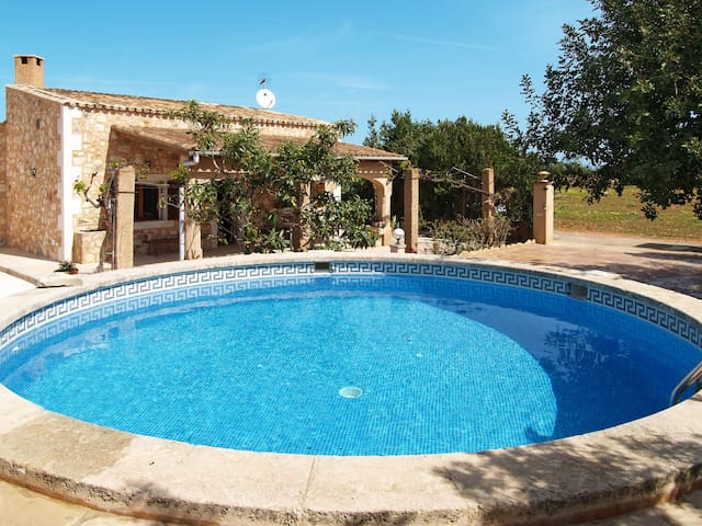 Lovely stone holiday house Jacoba with pool
