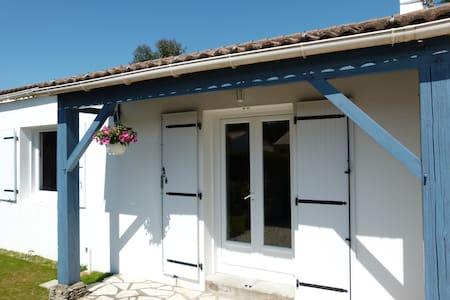 Agréable maison proche plage et commerces - Préfailles - Dom