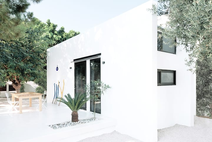The perfect summer beach house in Rhodes !