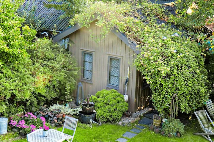 2 person holiday home in FALKENBERG