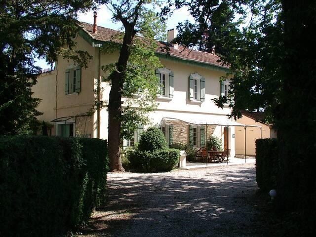 Gîte de la Verdière - Camaret-sur-Aigues