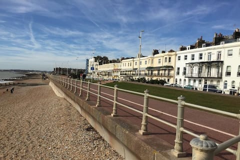 Stunning beach front location with roof terrace