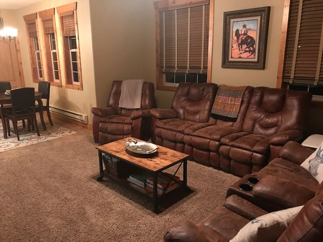 Cozy Buffalo Junction Condo