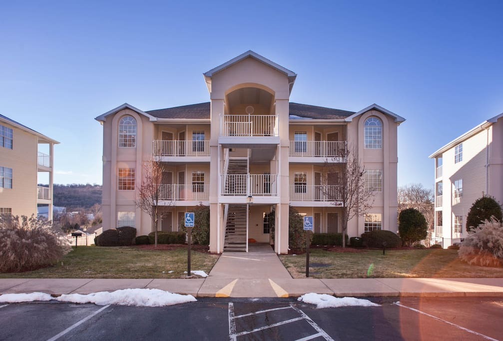 Wyndham Branson At The Falls 1 Bedroom Deluxe 2 Condominiums For Rent In Branson Missouri