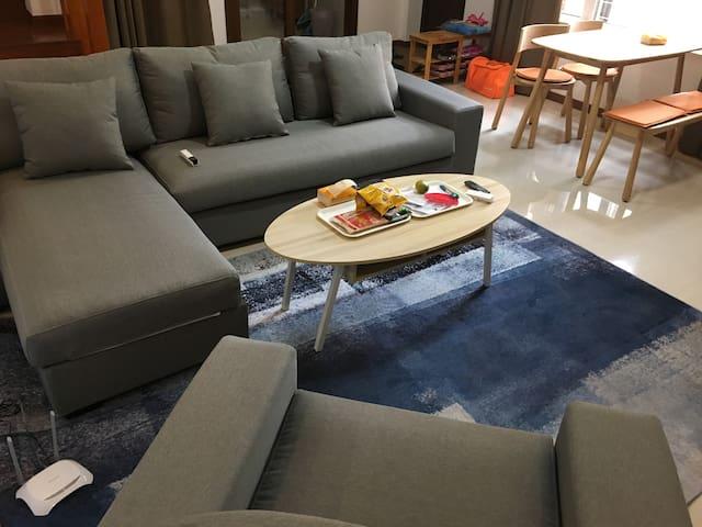 一樓客廳之沙發休閒區