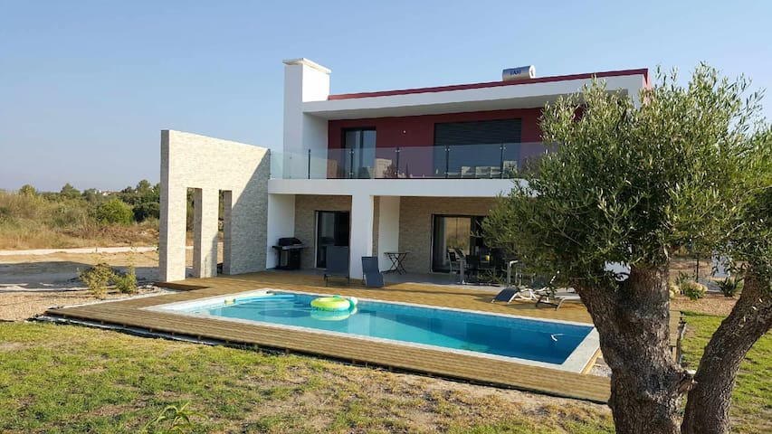 Alvor lovely villa 3 bedrooms and pool