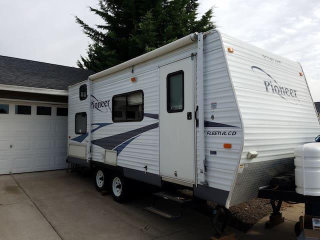 Camper rental near scenic Silverton, OR
