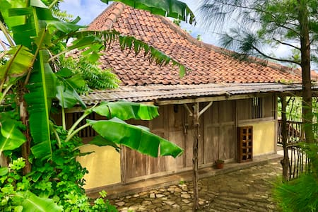 "Jiwa Laut Balai ""Dormitory & Workshop"" (75rb pp)"