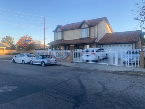 Palmdale Guest House Close to Air base, market,bus