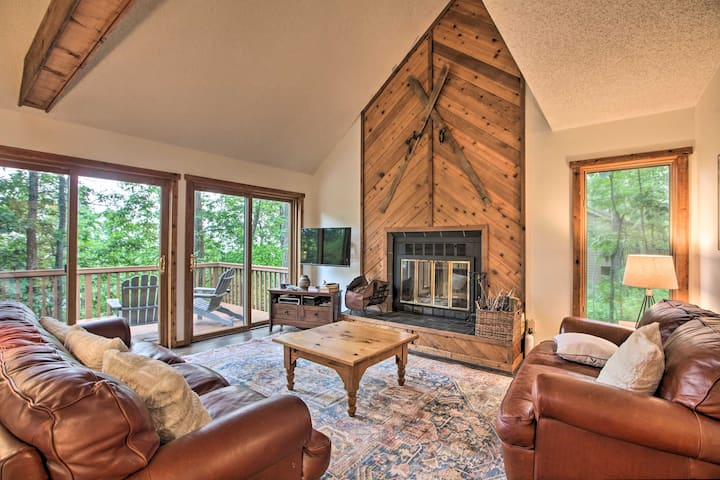 New! Mountaintop Home in Wintergreen, Walk to Lift