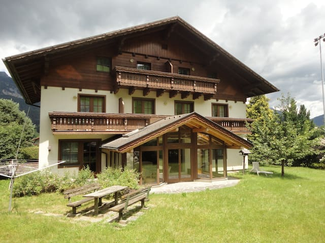 Skiing Country-House with garden & Sauna - Haus - Appartement
