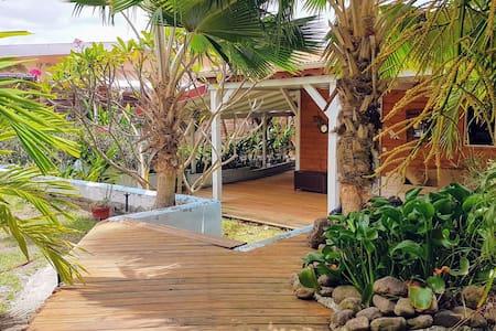 Charmante maison avec piscine, 200m de la plage - 勒迪亚芒(Le Diamant) - 独立屋