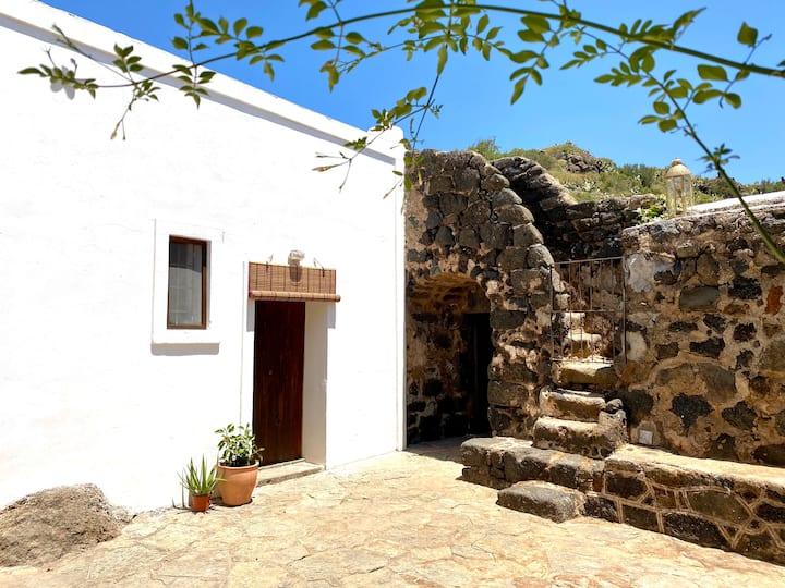The Ancient Baglio - Dammuso 'Il Limone'