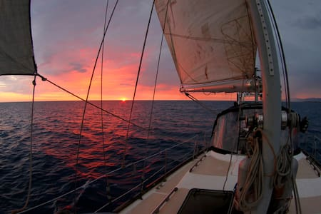 Master Cabin on a Sailing Yacht - Montego Bay