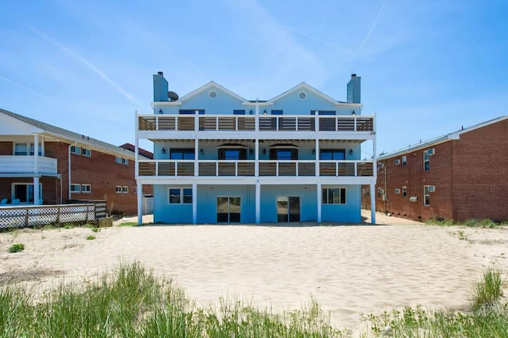 Dune House Coastal Getaway (Monthly Rentals Available)