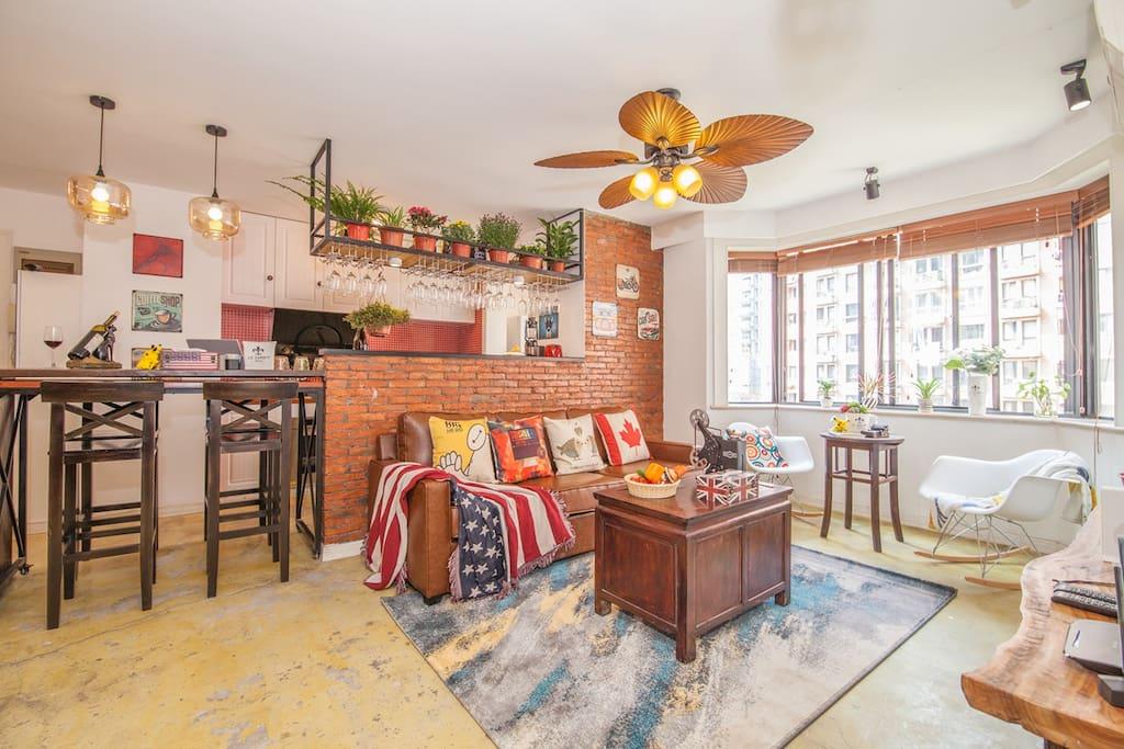 宽敞的客厅,配备地暖