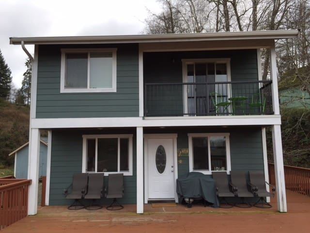 Cedar Hollows - Lakebay - House
