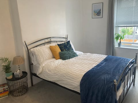 Cosy apartment 2 minutes from the sea!