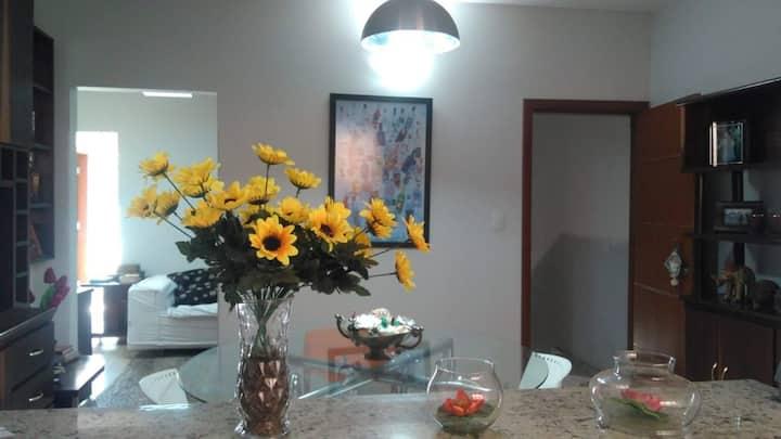 Apartamento confortável e bem localizado no centro