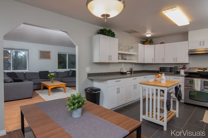 CONVENIENTLY LOCATED SOLDOTNA HOME