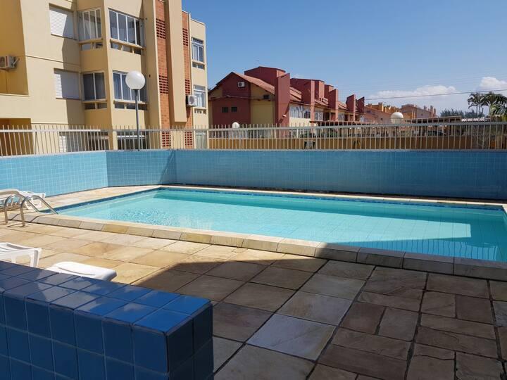 Apartamento  Capão Novo em condomínio completo