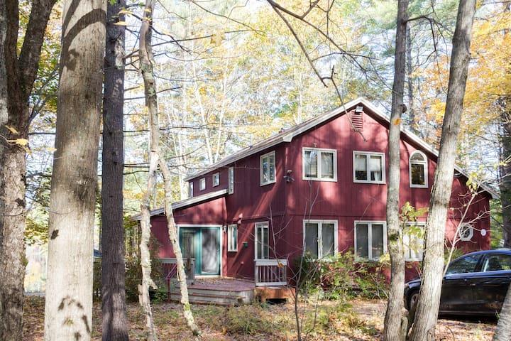 Lake Arrowhead, Maine Waterfront House