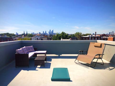 Cosy, relaxing room w/amazing roof deck