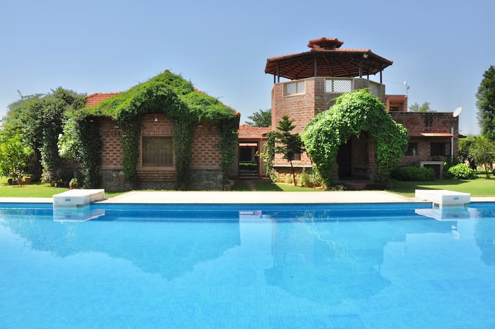 Boutique Farmhouse With Pool near Delhi & Gurgaon