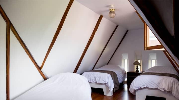 """Triple Room near """"La Foch"""""""