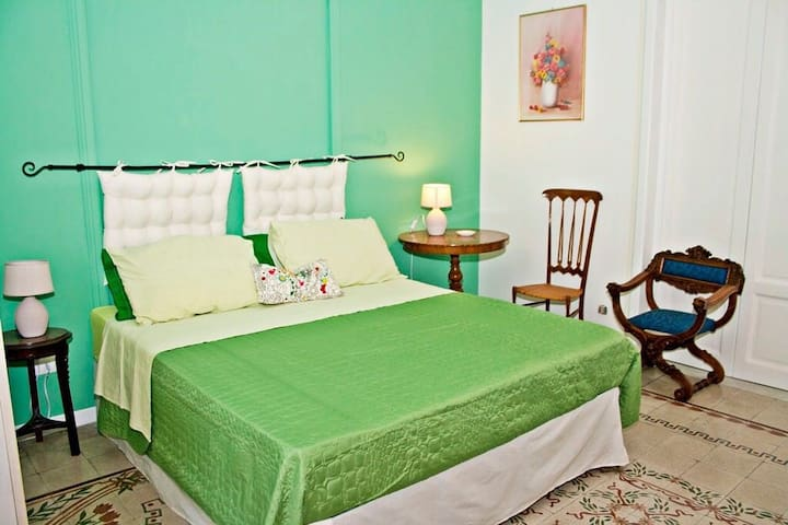 Casa Mirto Bed and Breakfast - Green Room