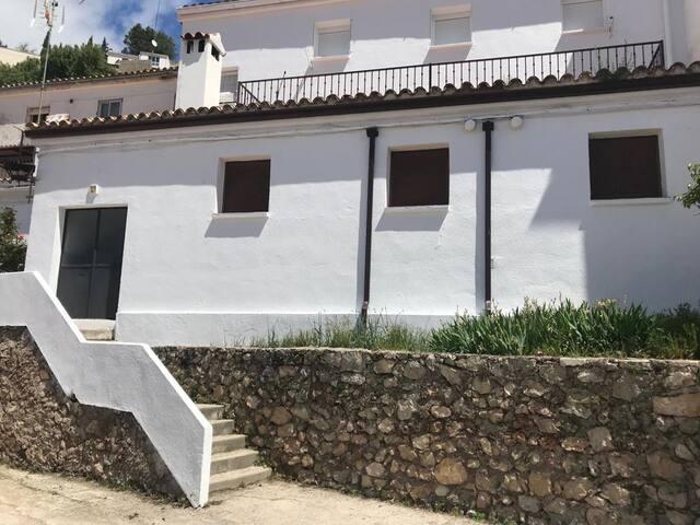 Casa del Maestro, estancia rural en Segura