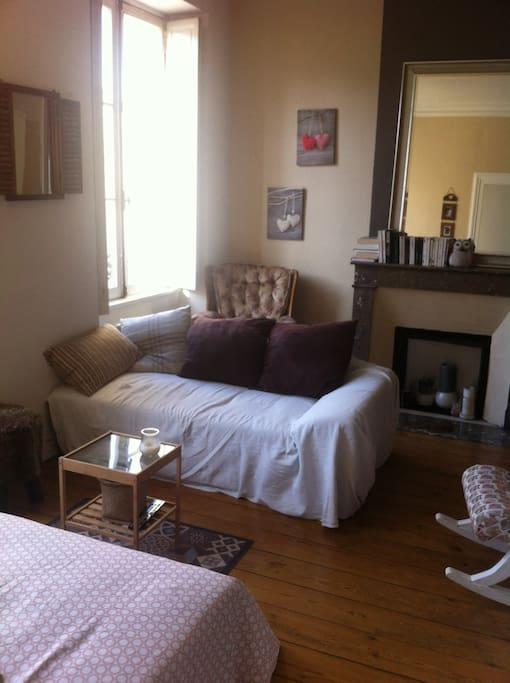 Appartement entre chartrons et quinquonces appartements for Location appartement bordeaux chartrons