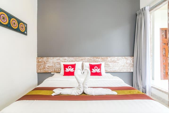Elegant Room at Denpasar Mertasari - South Denpasar - Wikt i opierunek