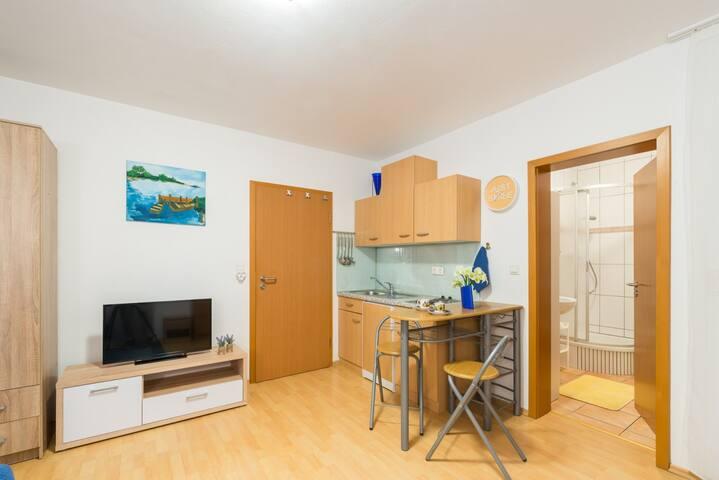 SUN Studio Apartment