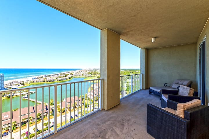 18th Floor Luxury Ocean View Resort Condo