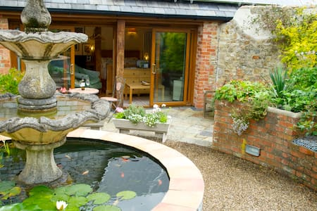 Idyllic Garden Studio by River Cottage HQ & Sea - Uplyme, Lyme Regis - Apartment
