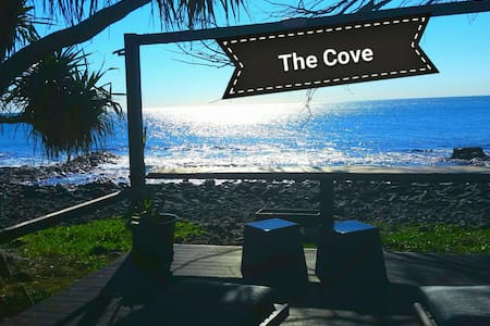 The Cove Retreat Studio Oceanfront Pet Friendly