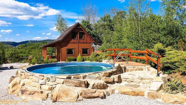 Piaskowy Koń drewniany dom w górach, basen,sauna