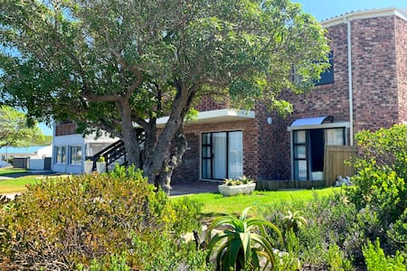Southern Blue - Charming self catering with wifi