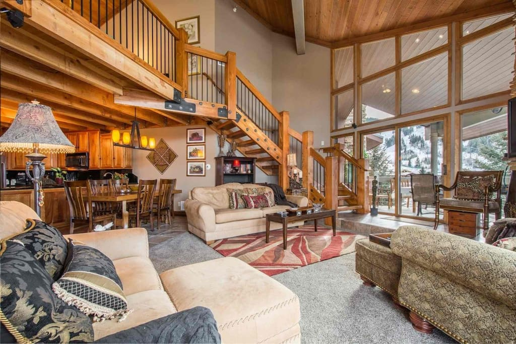 Penthouse Condominium located next to Snow Park Lodge and overlooks the Deer Valley Resort ski slopes.