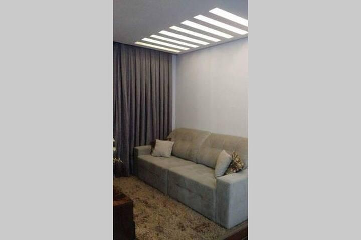 Quarto c/ sofa cama casal em Apto - Barueri - Apartamento