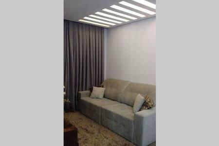 Quarto c/ sofa cama casal em Apto - Barueri