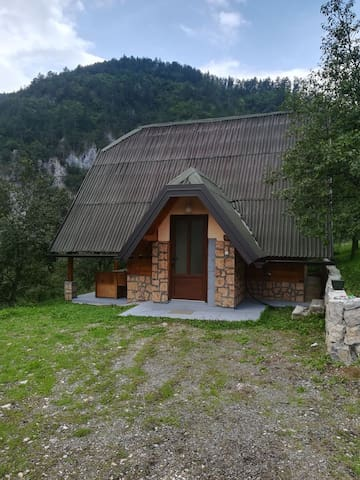 Holiday House NEVEN
