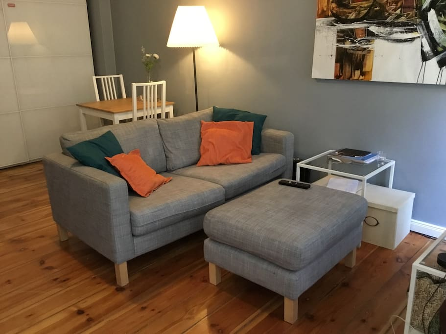 Livingroom - Couch and Table