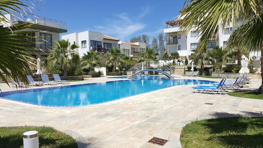 Luxury 2 bedroom apartment by the sea 6/303 - Paphos - Apartament