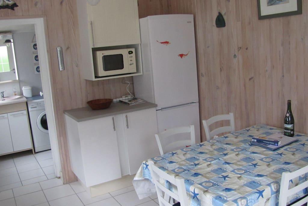 cuisine salle de séjour - vue 1