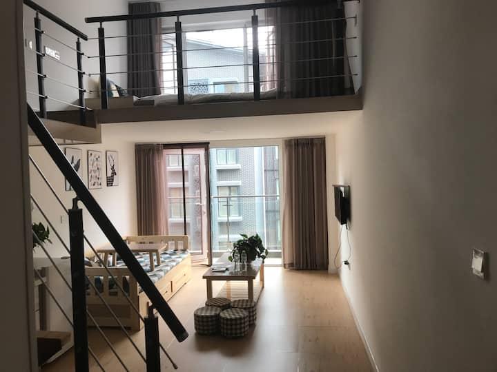 蓬莱阁海水浴场旁临海复式loft民宿公寓6