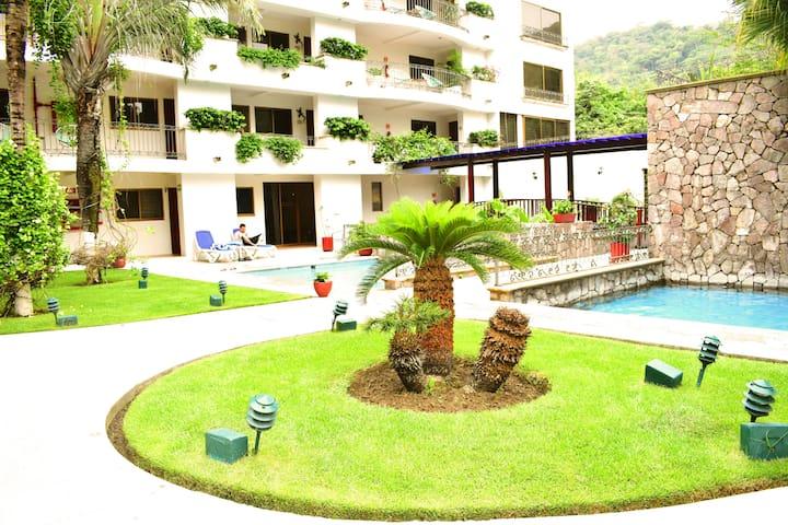 Suite 2 recamaras pool view Casa Iguana Mismaloya