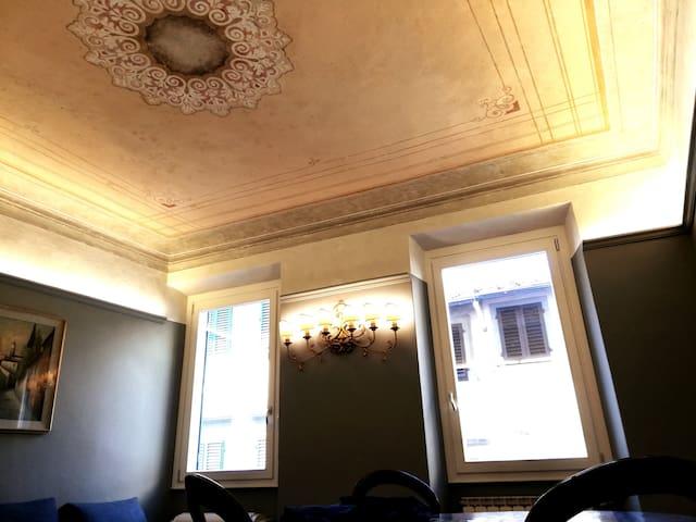 BORGO SAN FREDIANO Suites - blu petrolio